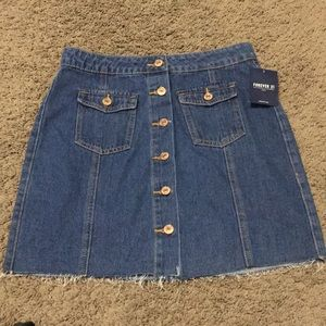 NEW WITH TAGS Forever 21 Button Jean Skirt (M)